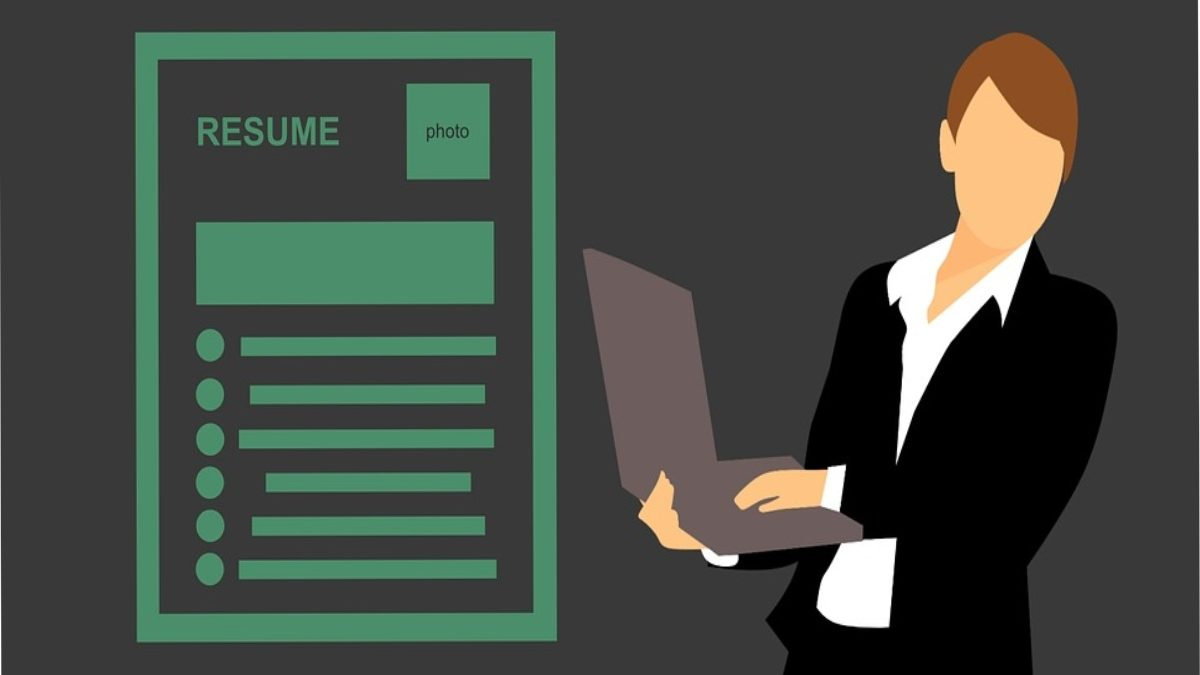 5 Reasons to Send Resumes in PDF Format